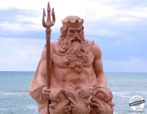 ПРИМОРСКАЯ УЛИЦА. Памятник Нептуну