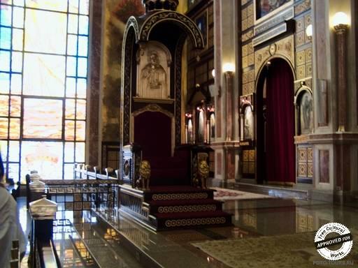 Коптская ортодоксальная церковь. Внутреннее убранство  Коптской ортодоксальной церкви