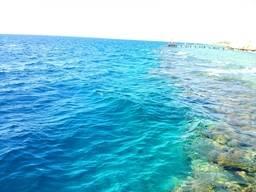 Граница кораллового рифа и большой воды