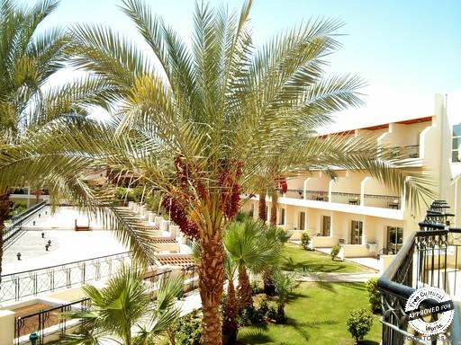 Xperience Kiroseiz Parkland. Вид с балкона 4-го корпуса в отеле Xperience Kiroseiz Parkland