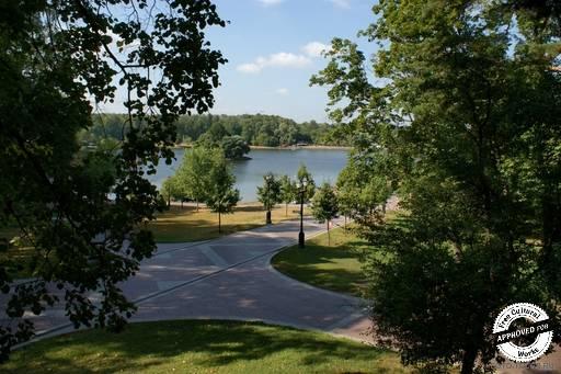 Царицыно. Вид на озеро со стороны дворца