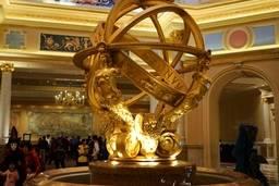 Скульптура в файе The Venetian Macao