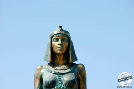 Бюст статуи Клеопатры