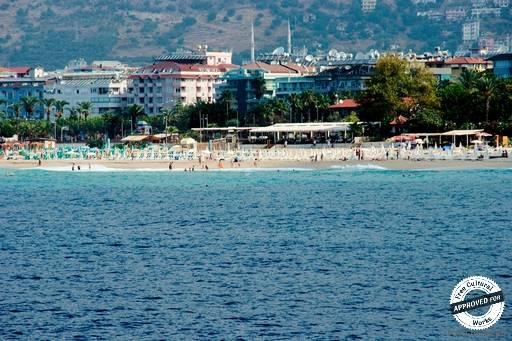 Пляж Клеопатра. Пляж Клеопатры со стороны моря