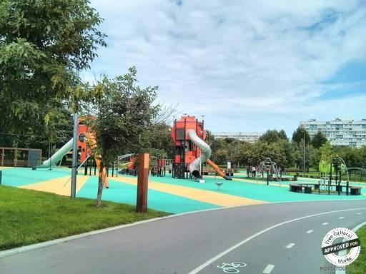 Парк Садовники. Детская площадка