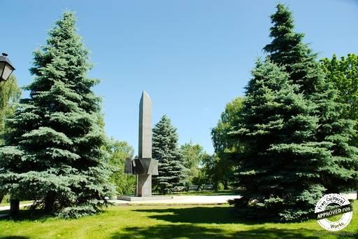 Памятник Борцам Революции.