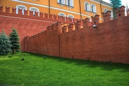 Стены московского кремля