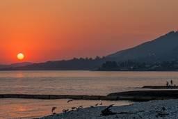 Розовый закат на Черном море