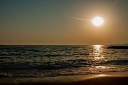 Золотой закат на Черном море