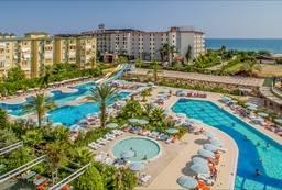 Бассейны отеля Hedef Resort & Spa