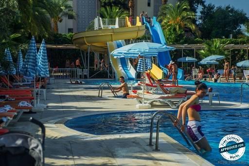 HEDEF RESORT & SPA HOTEL. Водные горки отеля Hedef Resort & Spa
