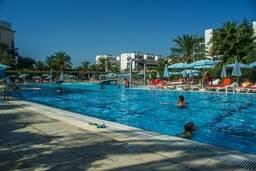 Бассейн отеля Hedef Resort & Spa