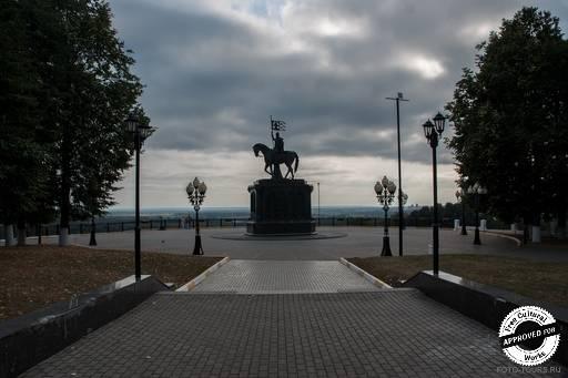 Памятник князю Владимиру и святителю Федору. Владимир